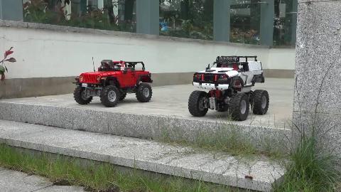 699元vs599元,你更喜欢哪一辆国产积木拼装的越野车呢?