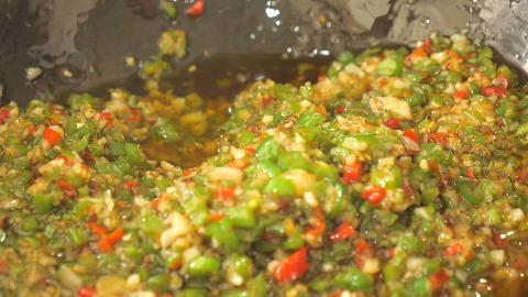 教你辣椒酱最好吃的做法,步骤详细,做法简单,拌饭吃特别香