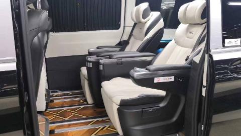 全新国六版奔驰V260L豪改内饰,高端定制,MPV就要这样舒适!