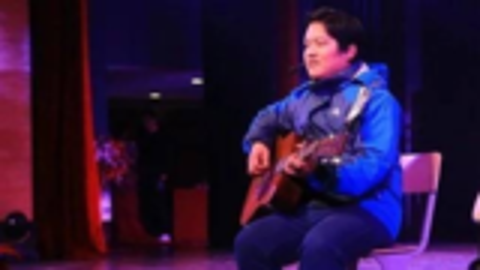 韩宇吉他弹唱赵雷成名曲《成都》经典!
