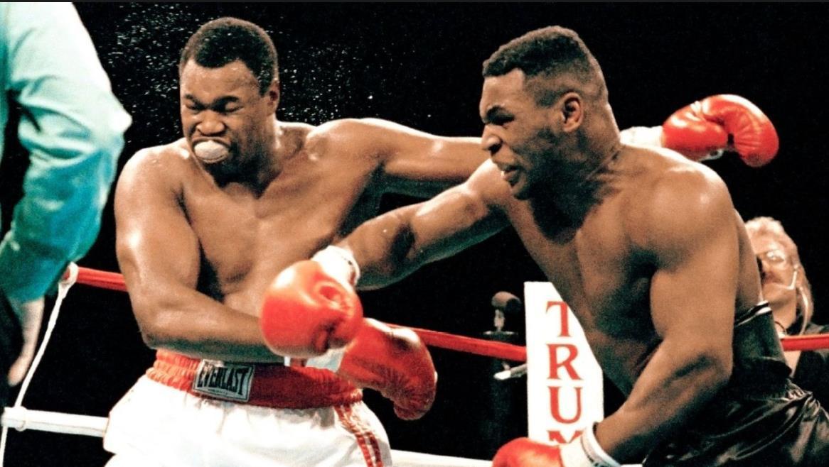 泰森铁拳有多可怕?对手被击倒一脸质疑的看着泰森!
