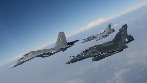 一场空战暴露印度空军最大难题:战机老旧受制于人,飞行员太差
