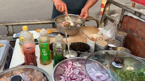 济南街边10元一份的凉拌牛杂,酸辣爽口有嚼劲,吃上一口就上瘾