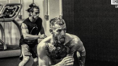 UFC嘴炮的教练,真正的大师,据说能控制每一块肌肉!
