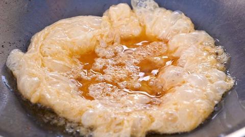 【泰国街头美食】- 培根煎蛋饭