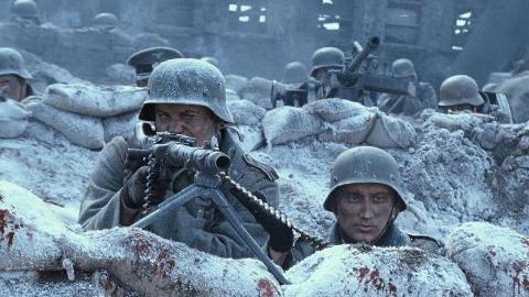 一部却不输给好莱坞的战争大片,用人填出来的战争《登陆之日》