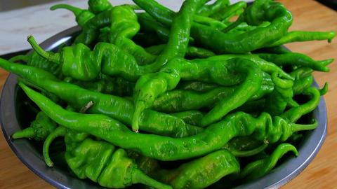 辣椒的这个做法火了,不炒不炸也不煎,一次做6斤,开胃又下饭