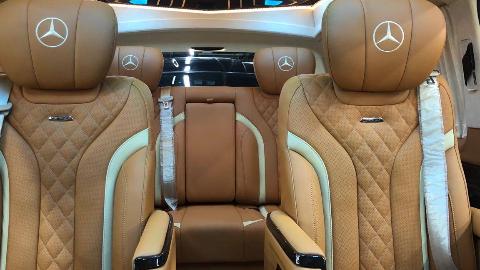 【环球商务房车】19款国六标准奔驰V260L,高顶半隔断,可控制踏板带侧小窗!