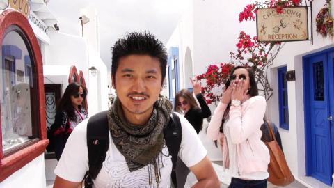 雷探长探访中国夫妻在爱琴海边的住所,周围酒店都被中国人包了