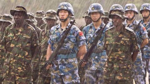 解放军嫡传弟子战力惊人,痛打非洲两大霸主!卡扎菲损失惨重!