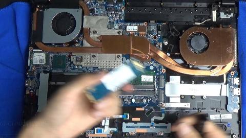 简简单单才是真 小秋搞机 神舟战神G7-CT7NA Z7 CT5NA拆机升级内存SSD清灰维护视频