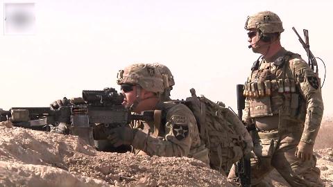 美军在阿富汗的日常巡逻,全程戒备