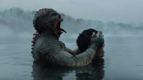 湖中出现神秘怪物,愚昧的村民不仅不害怕,还把它当做神明供奉!