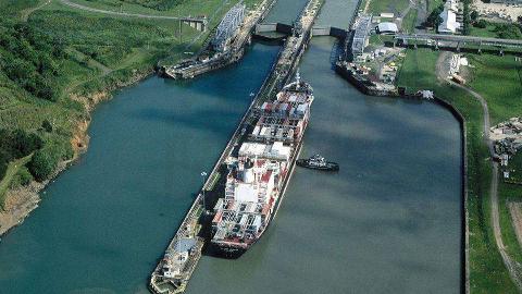 7月24日美国宣布巴拿马运河已全线贯通:萨沙历史上的今天