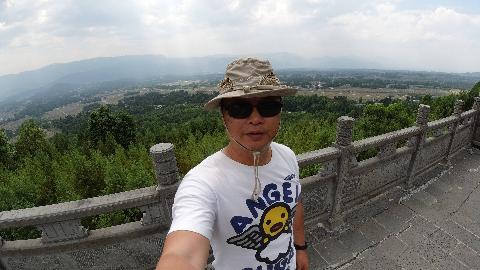 游荡在腾冲:天台山观景台是十五万亩花海节最佳位置
