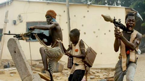 非洲最凶猛的童子军,肩扛火箭筒手持AK,战斗力不容小觑