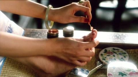 这部国产片《大鸿米店》被雪藏那么久,它代表了中国某个最黑暗的时期