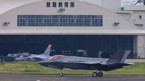 撕下伪装!日本一口气买下105架F35,解放军东海方向再现强大对手