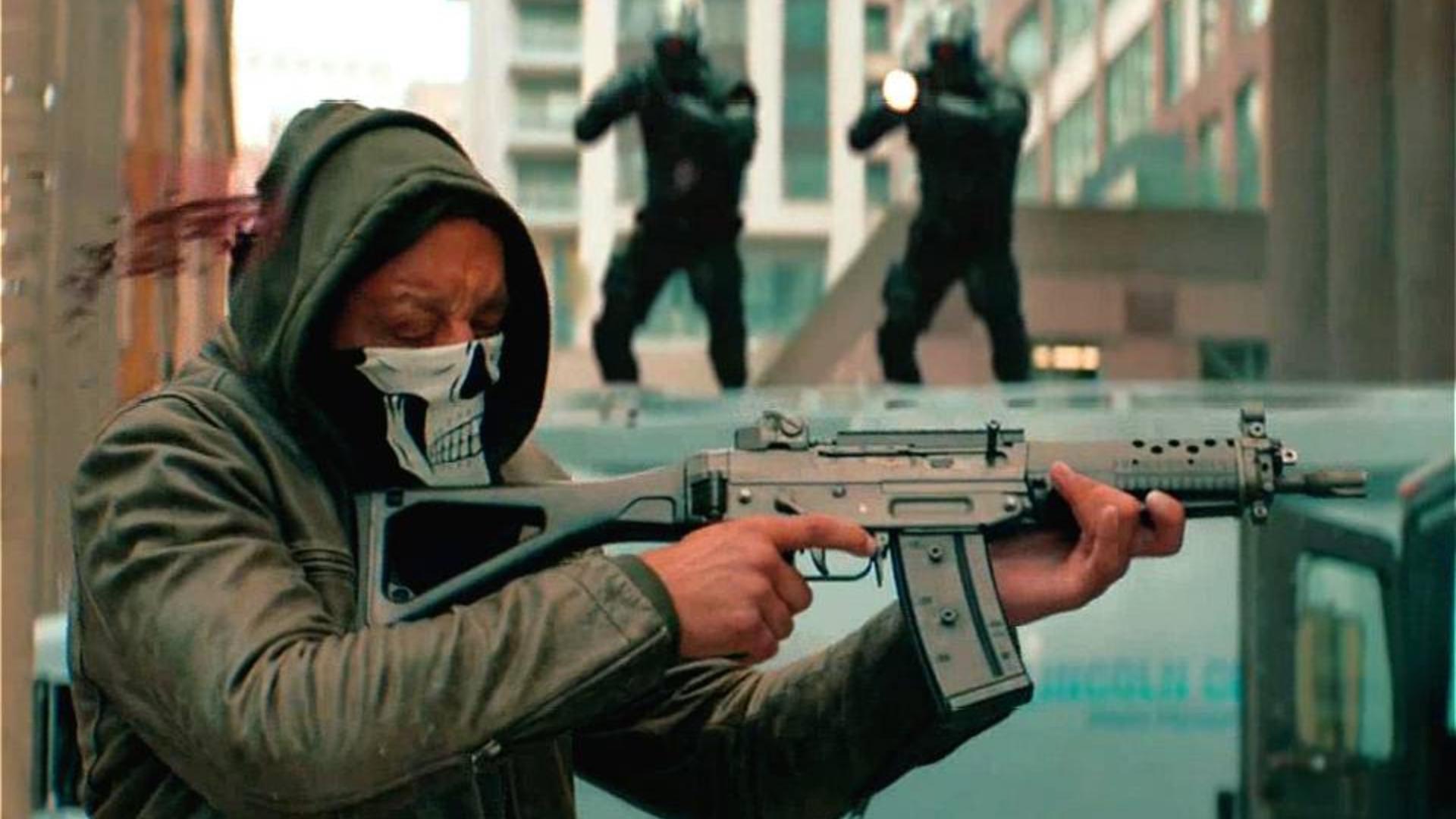 2019年劲爆科幻动作大片《八号警戒》,人类族群 超能力开始觉醒 ,机械警察屠杀超能力者!152期