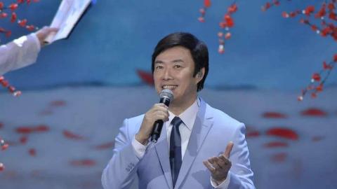 费玉清早年登台表演段子的视频流出,又唱又跳笑到停不下来