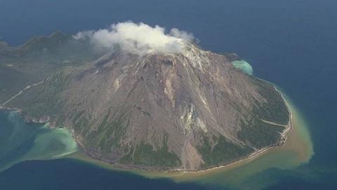 纪录片.NHK.日本之旅.硫磺岛:一座充满音乐节奏的火山岛.2019[高清][英字]
