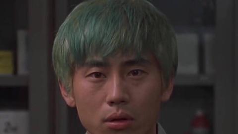 一部癫狂的韩国犯罪片,绑架勒索血洗诈骗组织,但他却是个好人