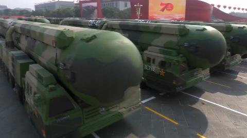 70周年大阅兵:东风-41核导弹方队