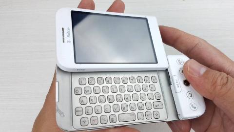 拆解2008年上市的全球首款安卓手机,当时的很多设计现在也不过时
