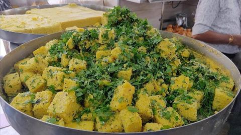 【印度街头美食】- 古吉拉特的特产-鹰嘴豆发糕