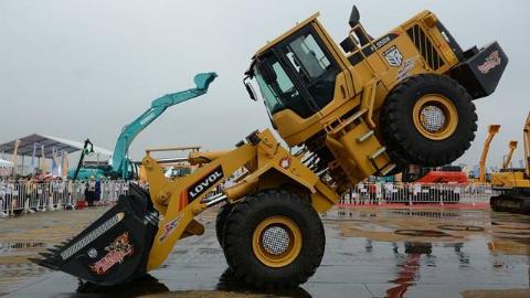 """""""中国新制造"""":湖南工程机械走向世界"""