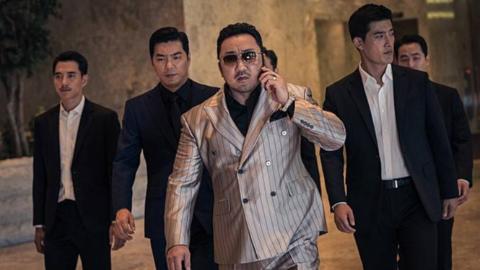 2019韩国爆款犯罪片,黑帮马哥手撕连环杀人犯,究竟谁更狠?