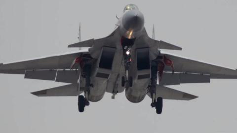 弹射型歼15首次曝光!中国第二艘国产航母或将装备电磁弹射器