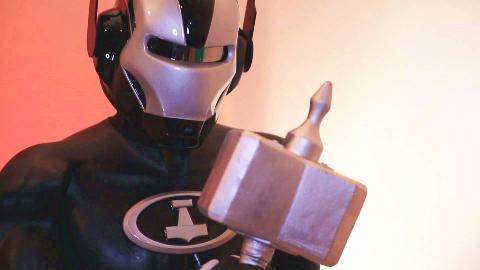 奇葩山寨雷神等于钢铁侠、蝙蝠侠、蚁人合体,战斗力却只有5