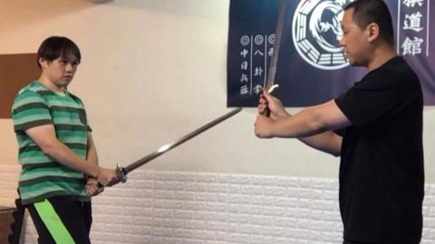 中国剑战术——转向技巧教学,形意剑对打!