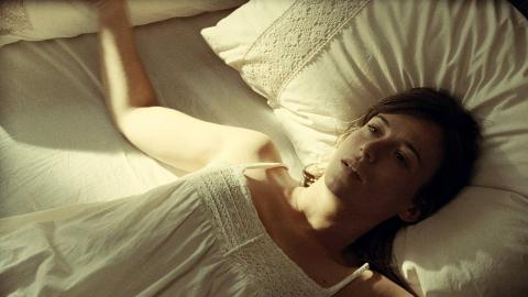 细思极恐的悬疑片《当你熟睡》,你永远不知道睡着后发生了什么