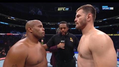 UFC241 火警VS黑球 二番战