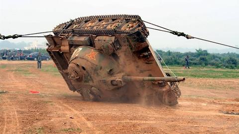 【点兵963】道路千万条,安全第一条——坦克翻车救援指南!