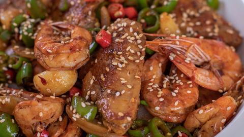 半斤鸡翅半斤虾,这样做一锅,鸡翅鲜香入味,大虾一口一个,过瘾