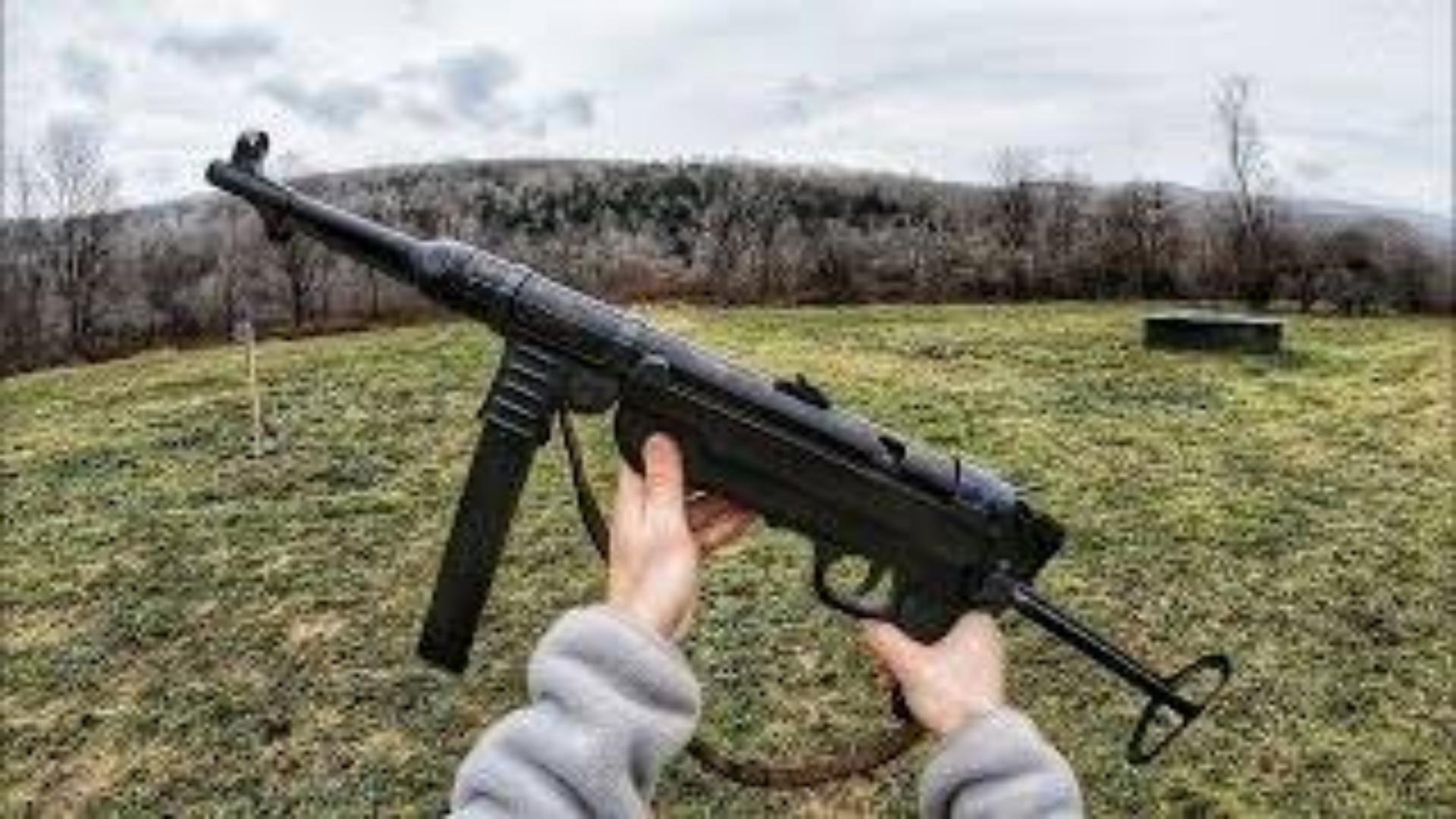 【搬运/没什么字幕可加】全自动MP40 武器欣赏