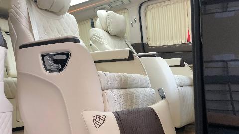 当奔驰V级有着迈巴赫S680内饰风格,你会现在埃尔法吗?