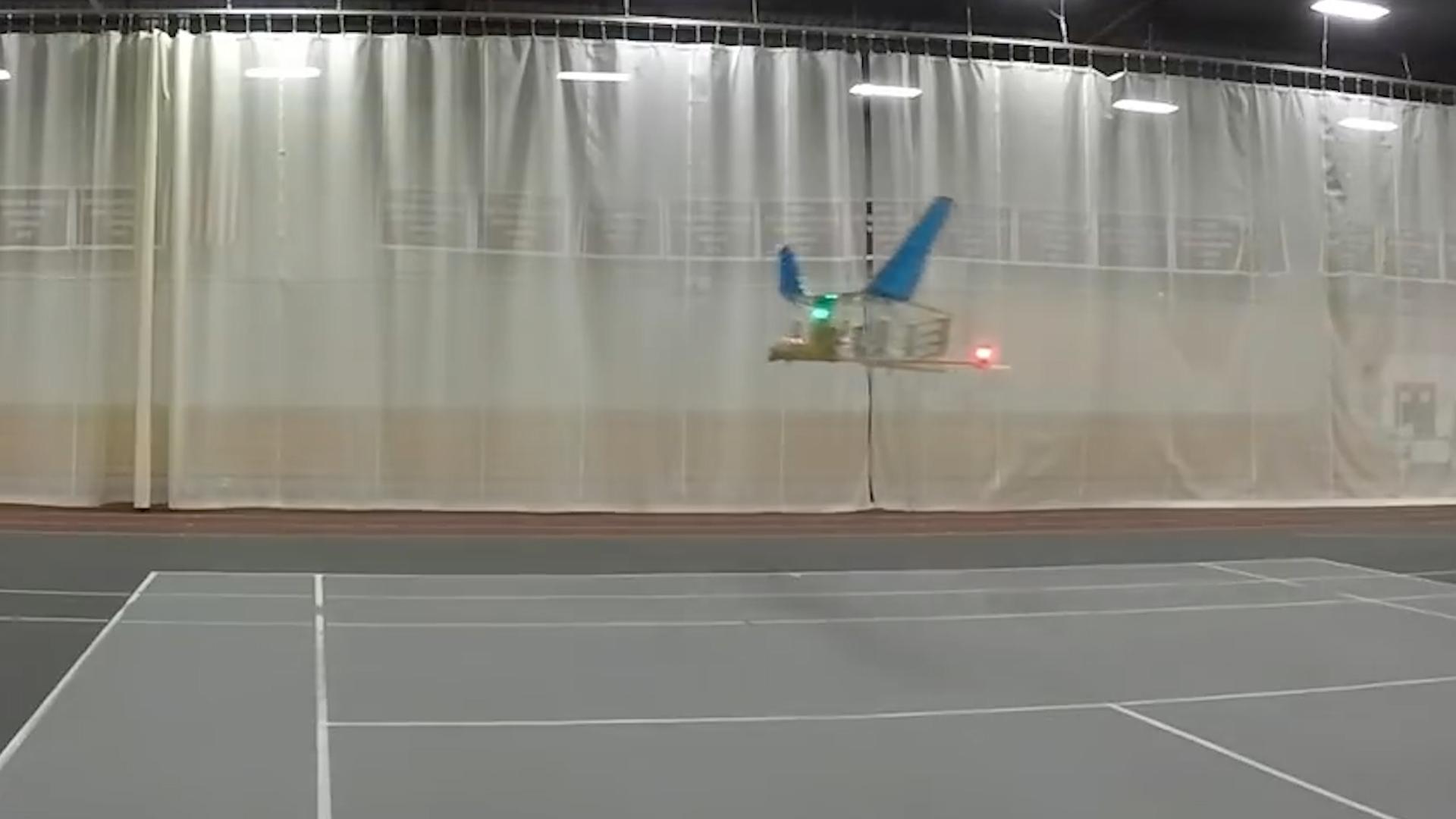 """属于未来的飞机,首架""""离子推进""""飞机试飞成功!10秒飞出60米"""
