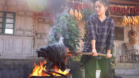 烧个猪头,做一道云南过年菜:萝卜干猪头肉