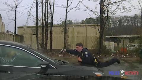 (中字)司机正面与警方冲突,被【迎面乱射】