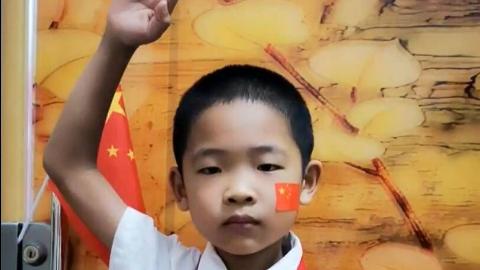 我爱你中国!二年级小学生抒发爱国热情