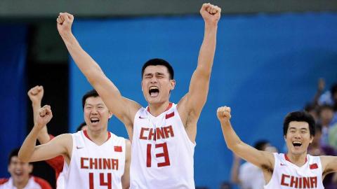 带你穿越回2008,看当时中国男篮拼尽全力的样子