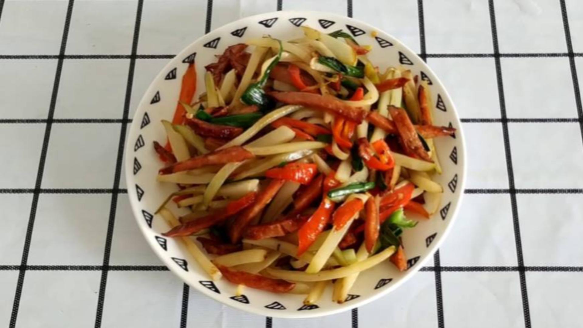 特色下饭菜,腌萝卜炒红肠的家常做法,比饭店做的好吃多了