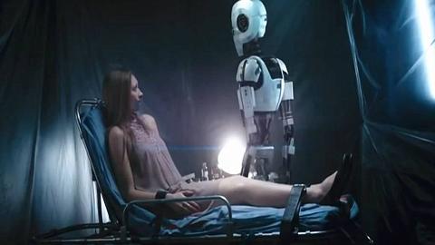机器人绑架美女做试验,竟是恋爱啊,具有令人无语的机器逻辑