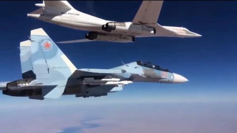 苏30伴飞图160发射导弹