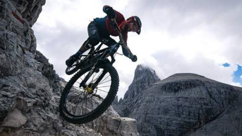 山地车大神的死亡骑行《穿越多洛米蒂山脉》