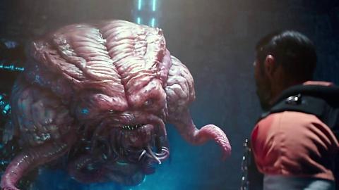 小伙吸入外星能量后,身体瞬间畸变,成了面目可怖的怪物!